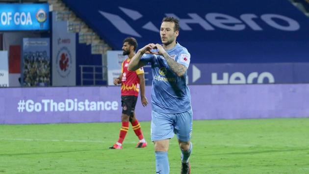 Adam Le Fondre of Mumbai City FC celebrate a goal during match 13 of the 7th season of the Hero Indian Super League between Mumbai City FC and SC East Bengal held at the GMC Stadium Bambolim, Goa, India(ISL)