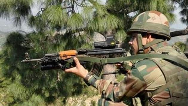 An Indian army soldier takes position near the Line of Control in Nowshera sector of Rajouri near Jammu.(File photo)