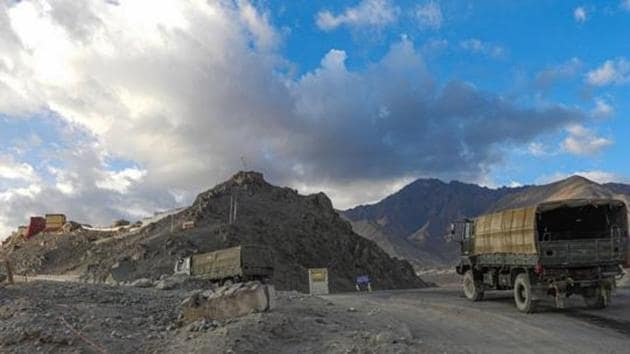 Army vehicles moving towards Line of Actual Control (LAC) amid border tension with China in Leh on Sept. 27, 2020.(PTI File Photo)