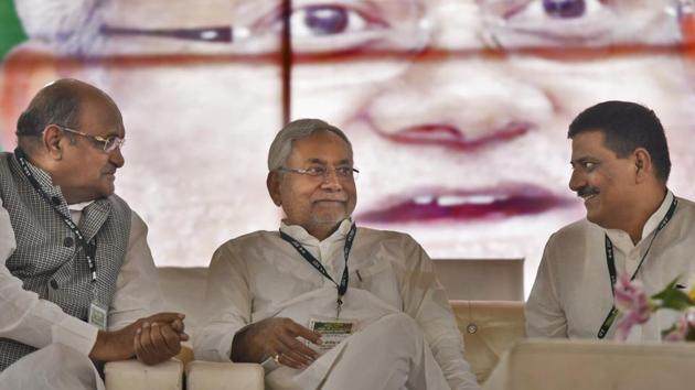 Nitish Kumar has begun to visit JD(U) office and interact with party functionaries and workers.(Burhaan Kinu/HT PHOTO)