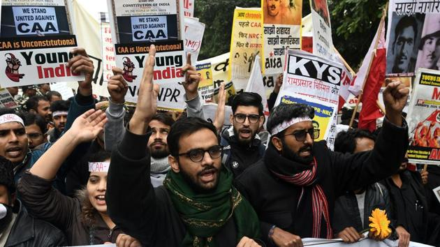 Activist and former JNU student Umar Khalid along with students and supporters protest against Citizenship Amendment Act (CAA), National Population Register (NPR) and National Register of Citizens (NRC) at Jantar Mantar in New Delhi on January 20, 2020.(Biplov Bhuyan/HT PHOTO)