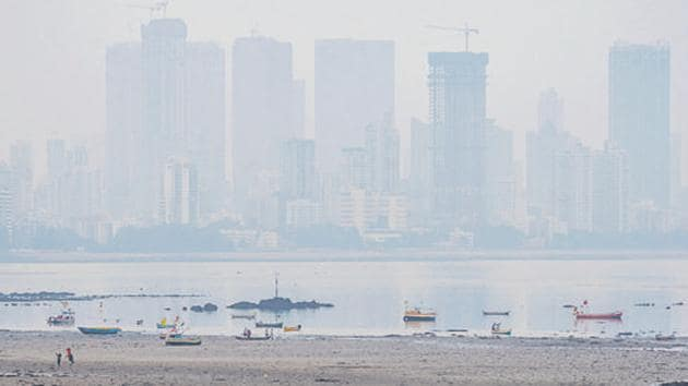 The city recorded an air quality index (AQI)—a pollutant measuring indicator—of 218 on Friday, falling in the poor quality category.(HT PHOTO.)