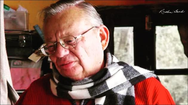 Ruskin Bond's dreamy Christmas greetings will set you believing in Santa again(Instagram/ruskinbondofficial)