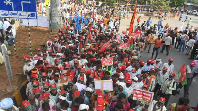 Protest was held against the Centre's farm laws at the Bandra collector's office, on Tuesday.(Vijayanand Gupta/HT Photo)