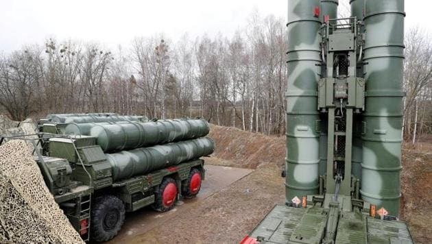 """A view shows a new S-400 """"Triumph"""" surface-to-air missile system after its deployment at a military base outside the town of Gvardeysk near Kaliningrad, Russia.(REUTERS)"""