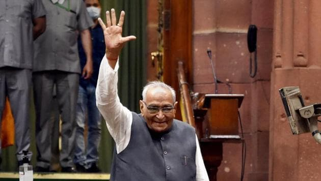In this March 23, 2020 file photo, Congress leader Motilal Vora at parliament during the Budget Session, in New Delhi. Vora passed away at Fortis Escort Hospital in Delhi on Monday, Dec. 21, 2020, a day after celebrating his 93 birthday.(PTI)