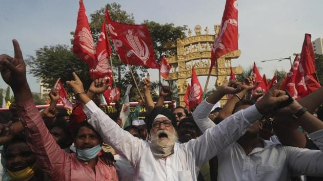 Members of different farmer organizations shout anti-government slogans during a protest against new agricultural laws in Mumbai, India.(AP)