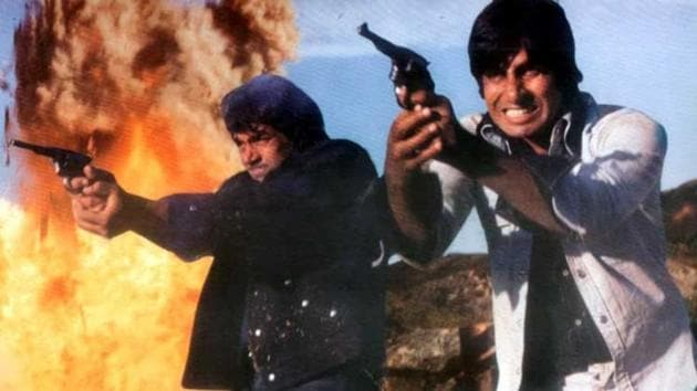 Amitabh Bachchan and Dharmendra played best friends in Sholay.