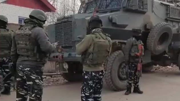 Police and security forces are carrying out the operation in an encounter that broke out at Kanigam area of Shopian.(ANI)