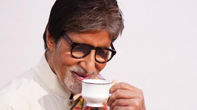 Amitabh Bachchan has apologised to a fan for using her poem without credit.