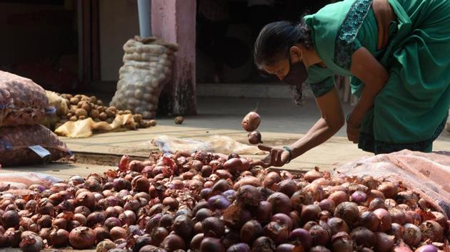 The government had last banned onion exports on September 29, 2019, after a bad crop crimped output. (Photo by Bachchan Kumar/ HT PHOTO)