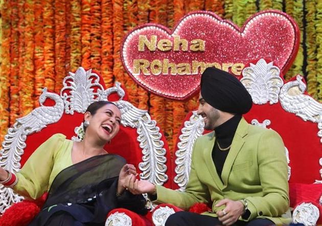 Neha Kakkar and Rohanpreet Singh on Indian Idol 12.