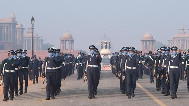 Indian Air Force personnel during rehearsals for the Republic Day parade at Rajpath in New Delhi.(Arvind Yadav/HT PHOTO)