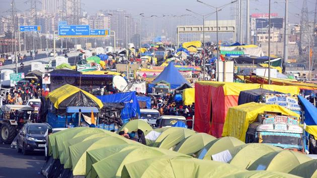 Tents set up on a blocked section of National Highway-9 at Ghazipur Border (Delhi-UP) where farmers are camped in protest against new farm laws, in New Delhi on Tuesday.(Raj K Raj/HT PHOTO)