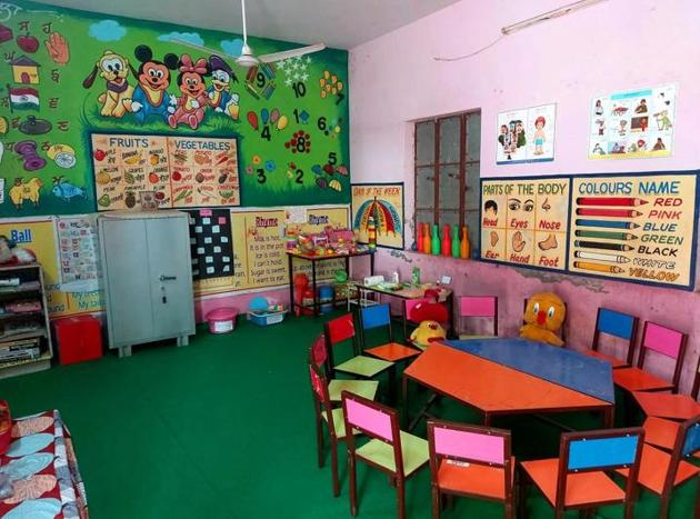 A decorated classroom at Government Primary School in Majri, Khanna.(HT PHOTO)