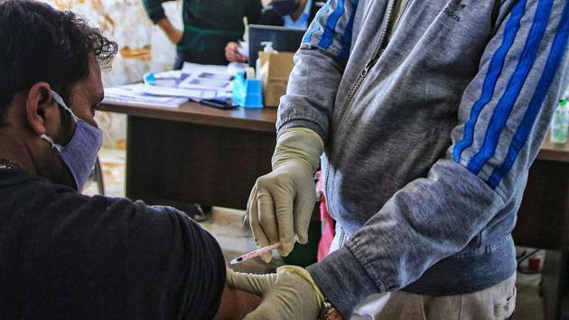 A volunteer being vaccinated by a medic during the Bharat Biotech's 'Covaxin' human trial.(PTI File Photo)