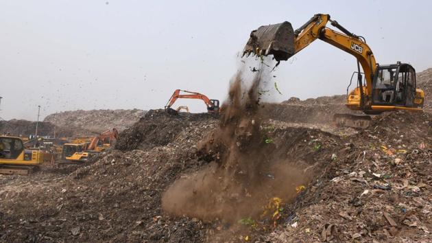 """Reacting to the charges, Delhi BJP Spokesperson Praveen Shankar Kapoor said it is sad that the Aam Aadmi Party has chosen to start the New Year with a """"blatant lie"""" on Trommel machines used at landfill sites.(Arvind Yadav/HT file photo)"""