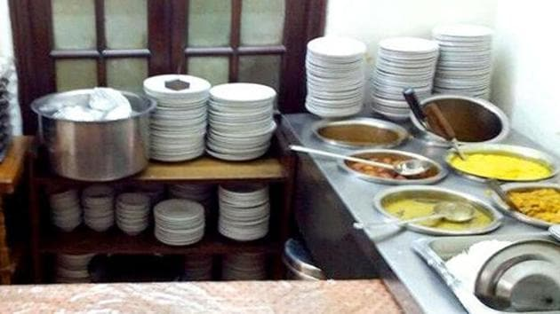 The DKR chain of community-based canteens is efficiently managed by the empowered rural women who also happen to be the members of the self- help groups (SHGs) of JEEViKA (or Bihar State Rural Livelihoods Mission). (Image used for representation).(HT PHOTO.)
