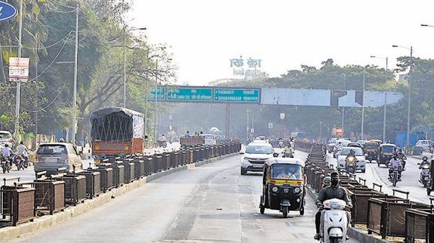 Swargate to Katraj BRTS, as of December 29, 2020, still remained incomplete for use by PMPML buses.(RAHUL RAUT/HT)