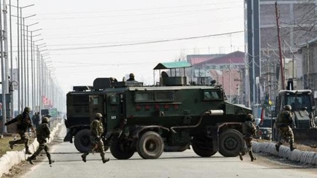 Army personnel during an encounter at Lawaypora in Srinagar on December 30, 2020.(ANI)