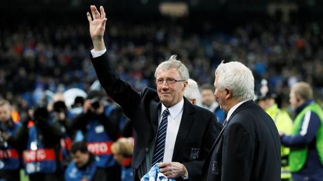 Etihad Stadium, Manchester, England - 15/3/16 Former Manchester City footballer Colin Bell waves to fans(REUTERS)