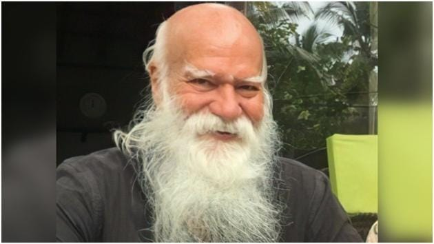 Fashion designer Satya Paul passes away(Twitter/SadhguruJV)