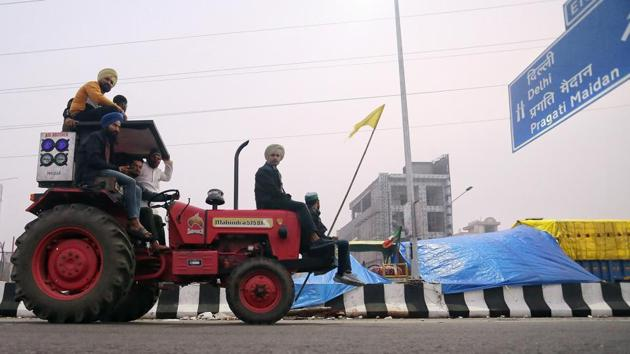 Protesting farmers at Delhi-Ghazipur border in New Delhi on January 6.(ANI)