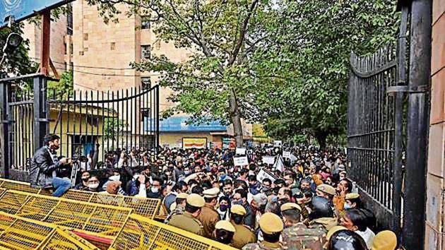 The employees also staged a protest at the North civic body's Civil Lines zonal office.