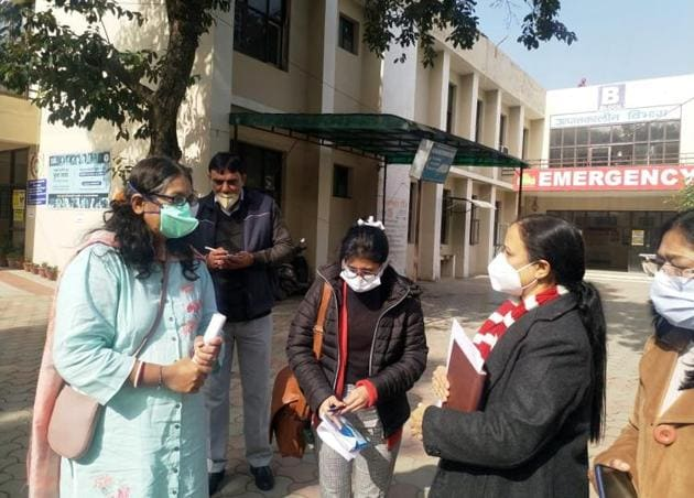 The central team reviewing arrangements at the Community Health Centre at Raipur Rani in Panchkula district on Friday.(HT Photo)