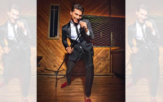 (Vaibhav) Suit, shirt and necktie, Rohit Gandhi + Rahul Khanna; pocket square and cufflinks, Hackett London; velvet shoes, Christian Louboutin. Styling by Shamali Singh; Art direction: Amit Malik; Make-up and hair: Vidya Tikari Studio; Models: Sitara, Sonal and Saad from TSS Talents India, Nathalia from Auraa models and Vaibhav; Location Courtesy: Lord of the Drinks(Shivangi Kulkarni)