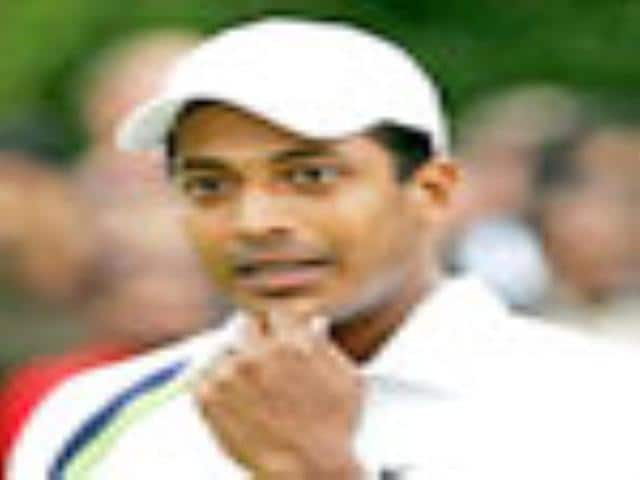 Bhupathi-Knowles in men's doubles semis; Paes-Black out