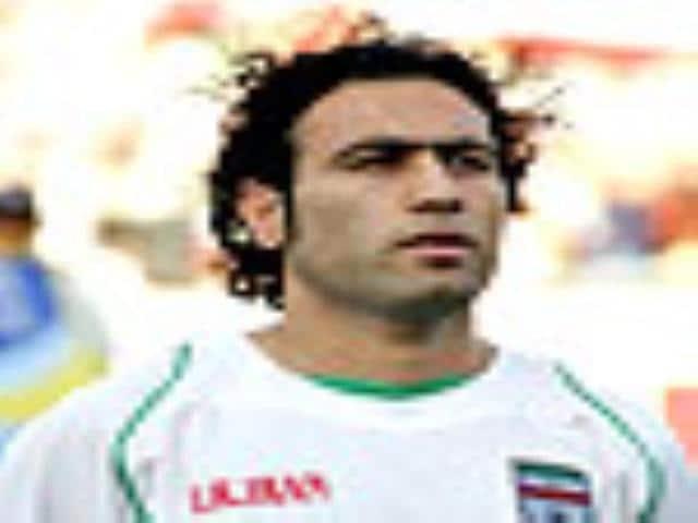 Iran skipper Mahdavikia signs for Frankfurt