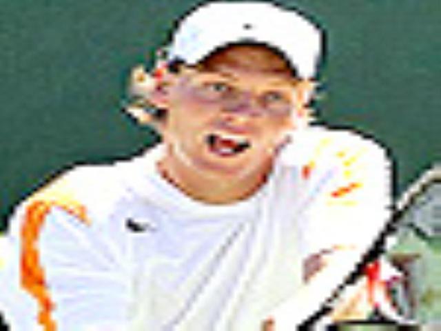 Tomas Berdych wins Halle final