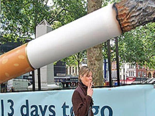 Gurgaon,Smoking in public,JS Walia