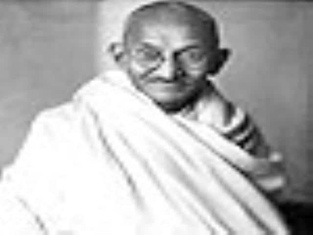 Support grows for Gandhi statue