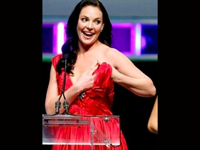 Katherine-Heigl-managed-to-avert-a-catastrophic-wardrobe-malfunction-after-her-halter-dress-came-off