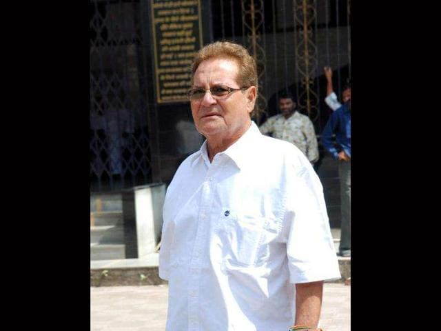 Salim-Khan-is-making-a-comeback-in-script-writing-with-the-sequel-of-Chillar-Party