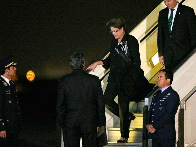 Dilma Rousseff,$800 million bribe,Petrobras
