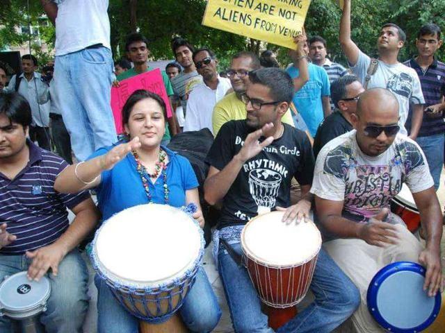 Delhi-Drum-Circle-performs-during-Delhi-SlutWalk-arthaat-Besharmi-Morcha-2011-near-Jantar-Mantar