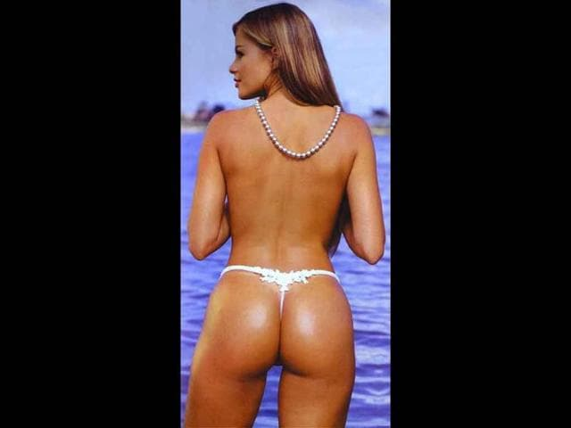 Sofia-Vergara-has-maintained-her-beautiful-assets-thanks-to-a-solid-diet-and-exercise-regimen