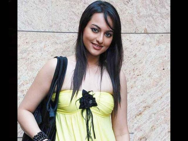 Sonakshi-Sinha-Salman-gave-the-actor-her-big-break-in-Bollywood-through-Dabangg