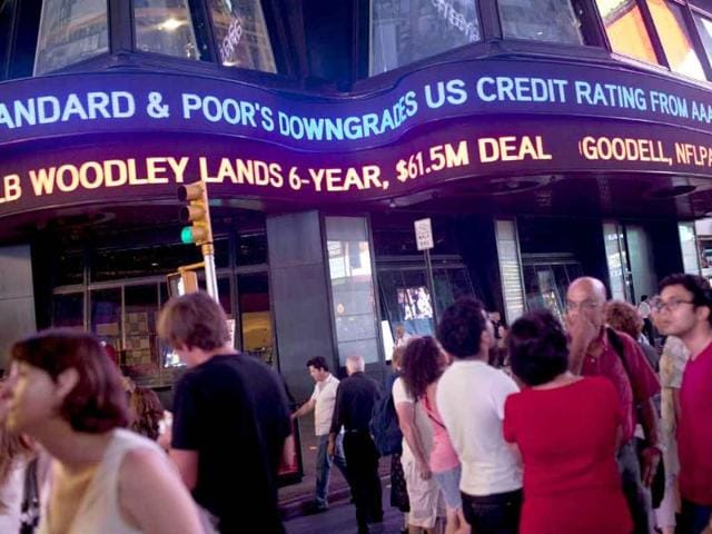 Standard & Poor's,India investment ratings,fiscal deficit
