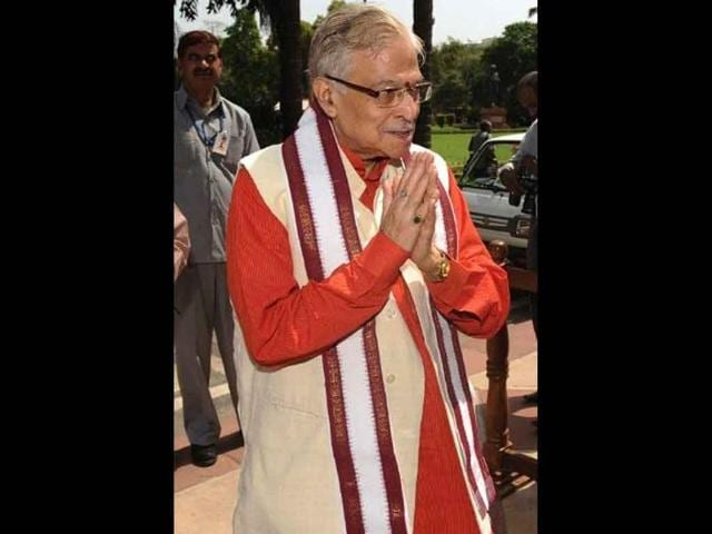 BJP-leader-Murli-Manohar-Joshi-addresses-the-media-after-losing-a-vote-on-foreign-direct-investment-in-Lok-Sabha-HT-Photo-Sonu-Mehta