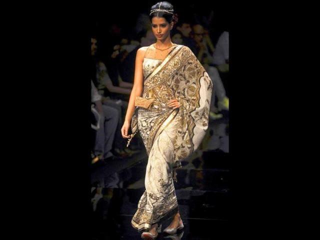 lakme fashion week festive/winter 2011 finale,vindo nair,amnish malhotra