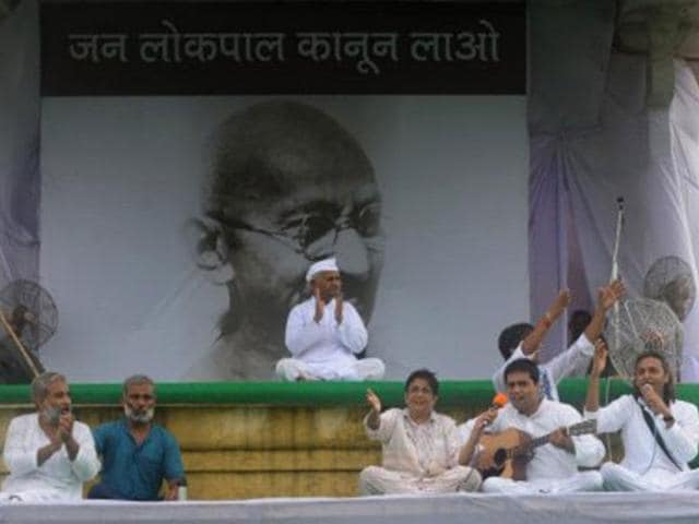 Social-activist-Anna-Hazare-at-Ramlila-Maidan-in-New-Delhi