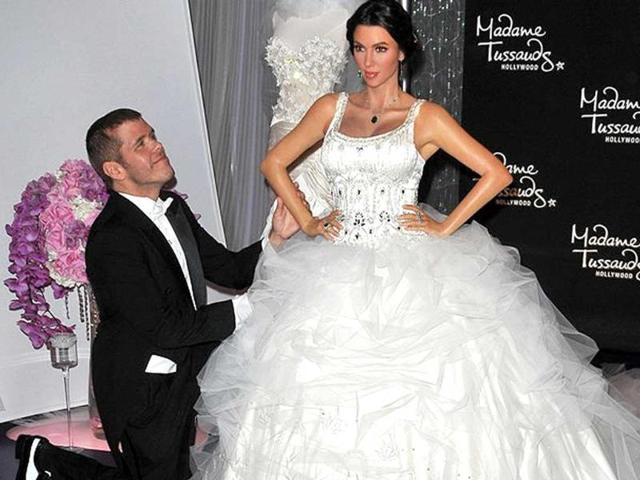 Madame Tussauds,wedding gown,kim kardashian