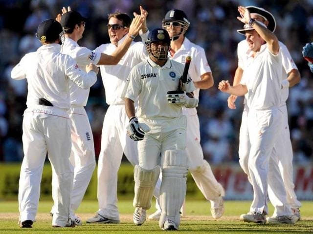 Sachin-Tendulkar-leaves-the-field-after-being-dismissed-by-England-s-Graeme-Swann-for-23-during-the-fourth-cricket-test-match-at-the-Oval-cricket-ground-in-London