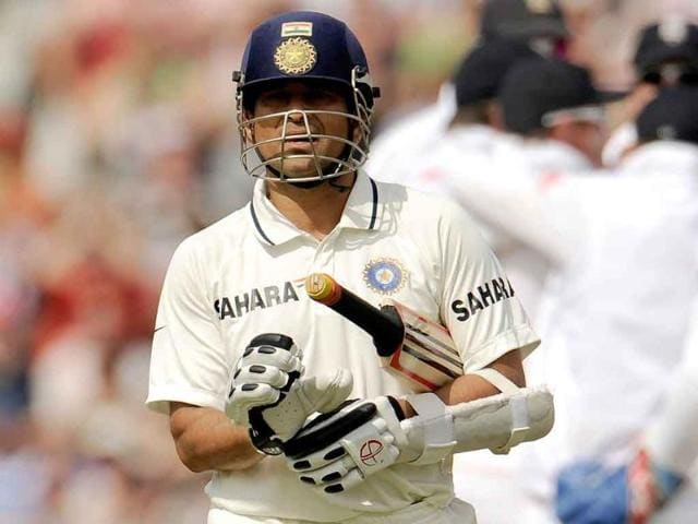 Sachin-Tendulkar-leaves-the-field-after-being-dismissed-lbw-for-91-during-the-fourth-Test-cricket-match-against-England-at-the-Oval-cricket-ground-in-London