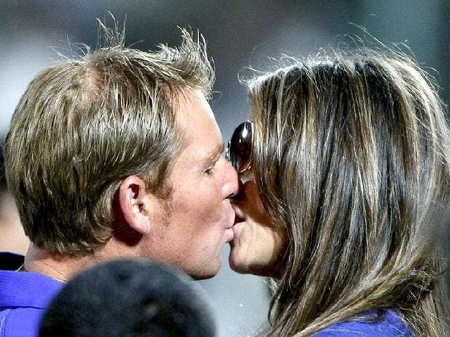 Shane Warne,Liz Hurley,William Hill