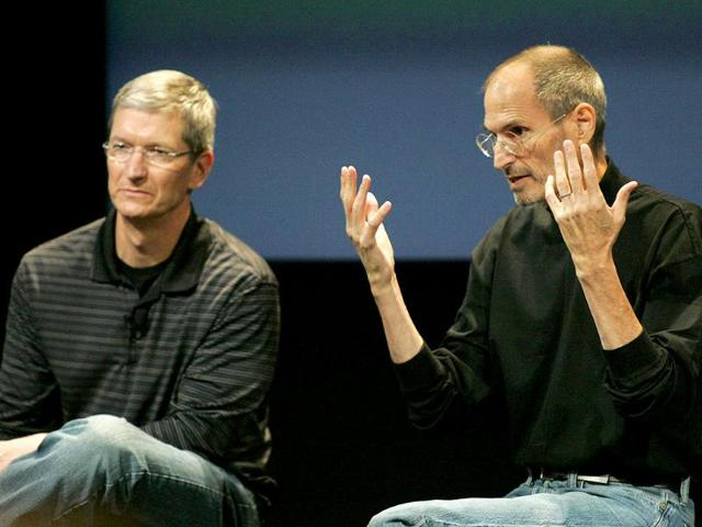 Apple COO Tim Cook (L) and CEO Steve Jobs answer questions during a news conference on antenna problems with the iPhone 4 at Apple headquarters in Cupertino, California, in this July 16, 2010 file photo. Jobs has resigned his position as CEO of Apple, and recommended Cook as his replacement.